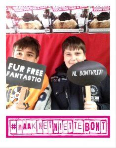 Maak het niet te Bont Fur Free Selfie
